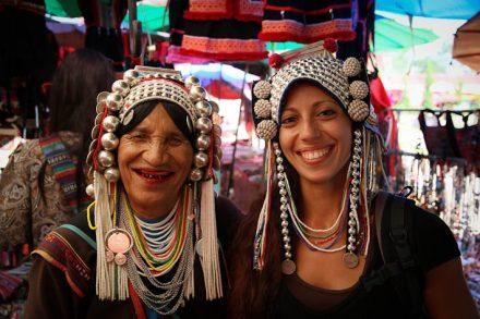 Oh oui la bonne touriste! :) Cette femme Akha était adorable et nous avons bien rigolé avec elle