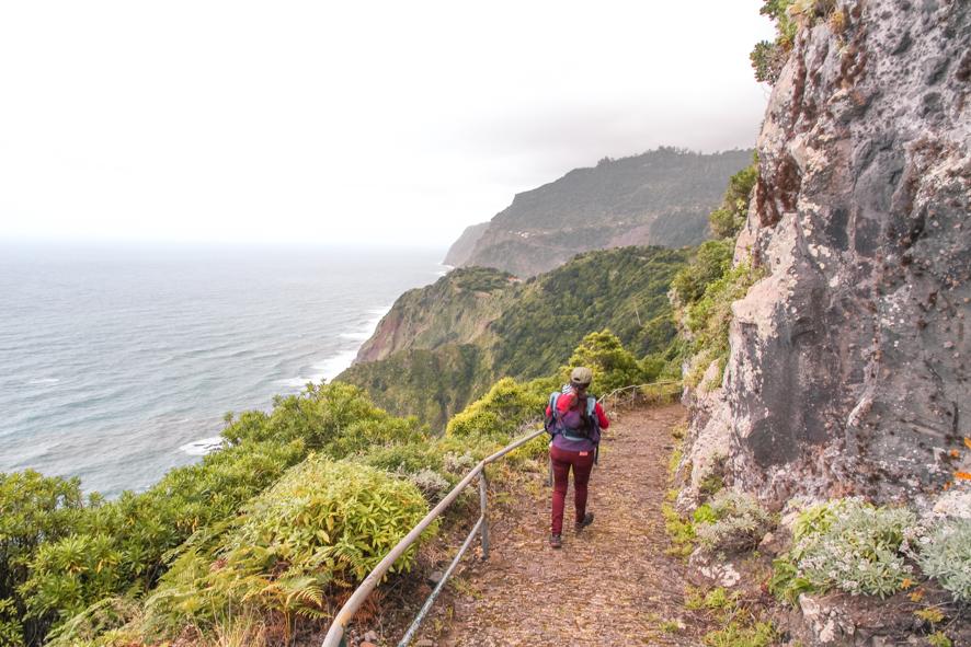 Goign up the Caminho-Entrosa hike